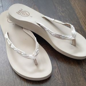 Reef cushion woven soft flip flop natural nude